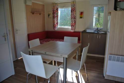 Team Holiday - Camping L'Eau Vive : Guest accommodation near Corneilla-de-Conflent