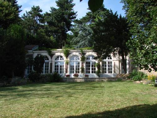 L'Orangerie White-Palacio : Apartment near Vélizy-Villacoublay