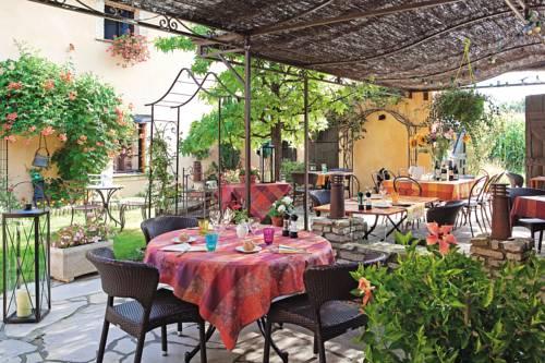 Auberge Des Bichonnieres : Hotel near Saint-Trivier-sur-Moignans