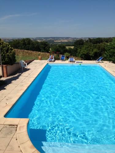 Holiday Home Le Fiouzaire : Guest accommodation near Le Castéra