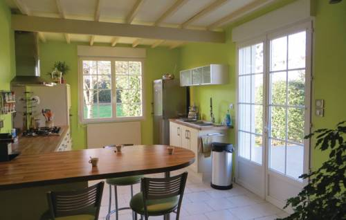 Holiday Home Montreuil Bellay with Fireplace 01 : Guest accommodation near Antoigné