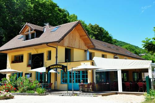 Auberge de Portout : Bed and Breakfast near Cressin-Rochefort