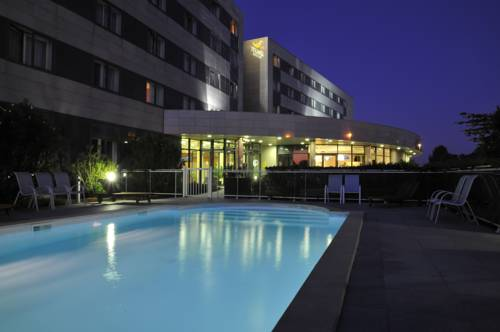 Quality Suites Bordeaux Aéroport & Spa : Guest accommodation near Mérignac