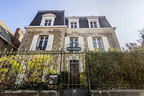 Villa Athanaze : Hotel near Ille-et-Vilaine