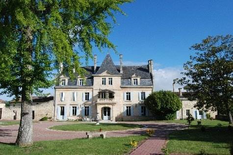 Relais du Château Julie : Guest accommodation near Saint-Romain-la-Virvée