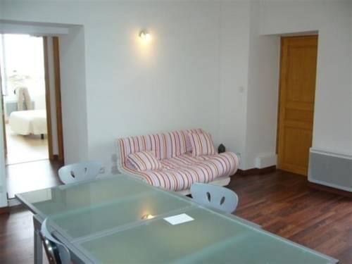 Apartment En Plein Centre Ville Et À Proximité De La Plage : Hotel near Vendée