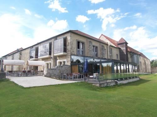 Hotel Abbaye du Golf de Lésigny : Hotel near Marolles-en-Brie