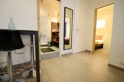 Short Stay Apartment Laborde : Apartment near Paris 8e Arrondissement