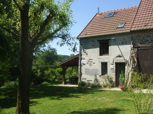 Maison De Vacances - Le Chat Blanc - Grote Gite : Guest accommodation near Terjat