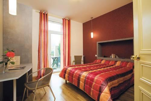 Hotel De La Poste Saint Just En Chevalet