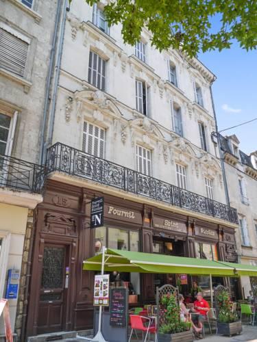 Apartment Place de la Bilange : Apartment near Saumur