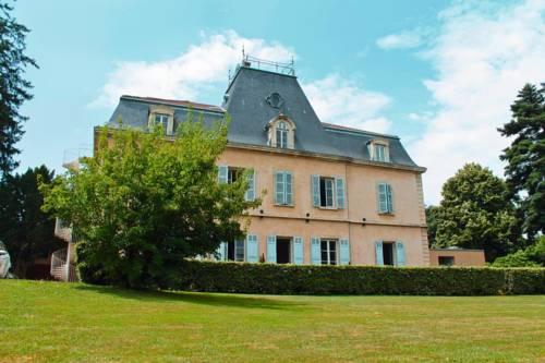 Domaine Les Hautannes : Hotel near Reyrieux