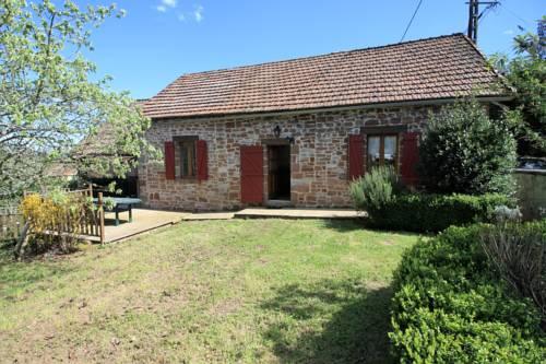 Maison avec Piscine - Hautefort : Guest accommodation near Badefols-d'Ans