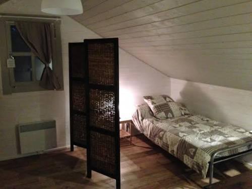 Le Clos de Mesvres : Guest accommodation near Dierre