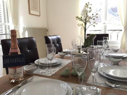 Romantic apartment for two in Saumur : Hotel near Maine-et-Loire