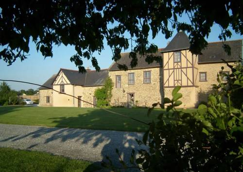 Manoir de la Haute Pilais : Bed and Breakfast near Corps-Nuds