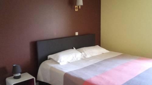 Auberge la marchadaine : Bed and Breakfast near Javerdat