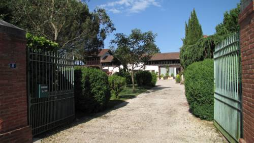 Rosalie 1830 : Bed and Breakfast near Aux-Aussat