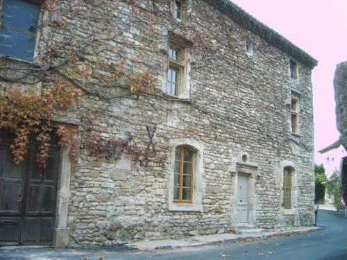 La Batisse du Chateau : Guest accommodation near Solérieux