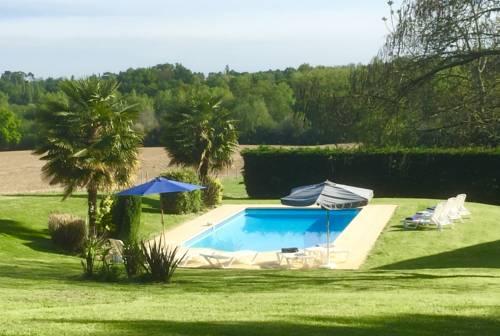 Maison Coeur à Pontacq : Guest accommodation near Sainte-Christie-d'Armagnac
