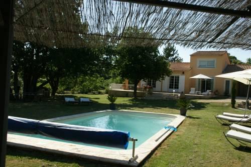 Villa Le Grand Chene : Guest accommodation near Reillanne