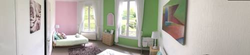 Chateau Anaselle : Bed and Breakfast near Flers