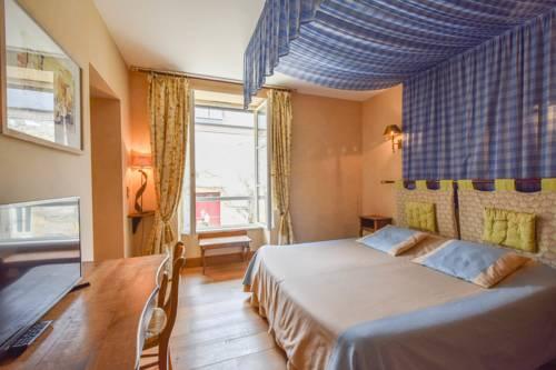 Domaine d'Essendiéras : Hotel near Anlhiac
