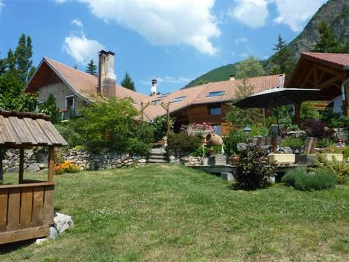 mille et un bonheurs : Bed and Breakfast near Montgardin