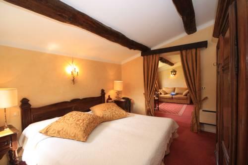 Relais et Chateaux La Bonne Étape : Hotel near L'Escale