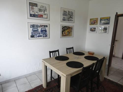 Sci Le Roc Rouge : Apartment near Rosenau