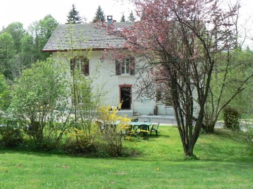 Gîte de l Orchidée Bleue : Apartment near Montperreux