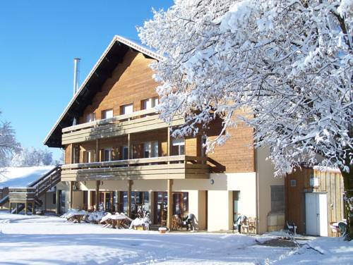 Chalet Les Crozats : Guest accommodation near Cogna
