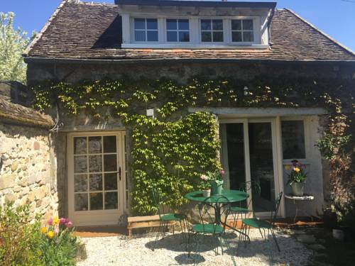 Rose Cottage : Guest accommodation near Saint-Pierre-lès-Nemours