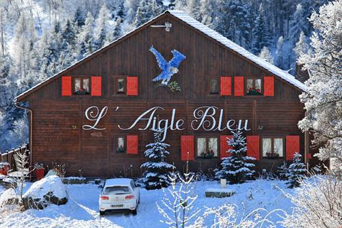 Chambres d'hôtes Chalet l'Aigle Bleu : Bed and Breakfast near Uvernet-Fours