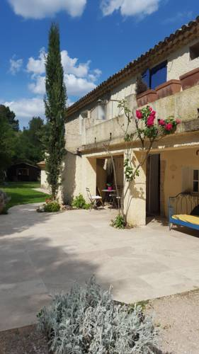 Les Gites du Domaine de Bertrandy : Guest accommodation near Valensole