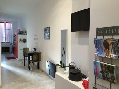 Appartement Fleurette : Apartment near Andiran