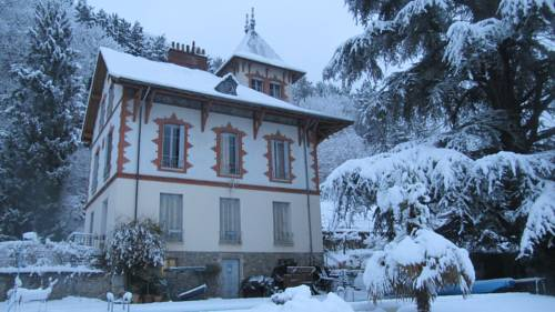 Chateau Les Terrasses : Apartment near Eybens