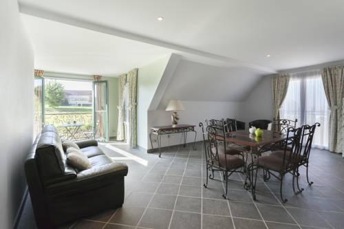 Les résidences du Golf de Bellême by Popinns : Hotel near Sarthe
