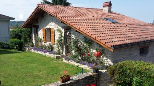 Le Grangeon 01 : Guest accommodation near Saint-Jean-le-Vieux