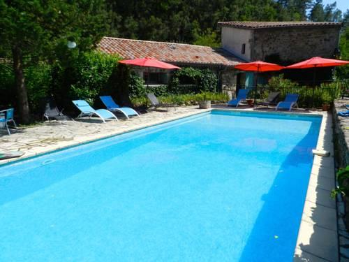 Le Moulin de Lande : Guest accommodation near Rocher