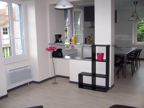 Gite Des Noisetiers : Guest accommodation near Saint-Junien