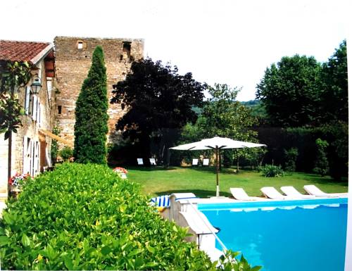 Remparts 12 : Bed and Breakfast near Domsure