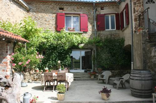 La Maison dans les Nuages : Bed and Breakfast near Ardoix