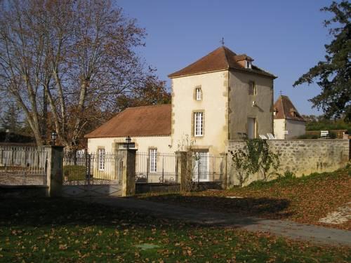 Château Golf de Pallanne : Guest accommodation near Aux-Aussat