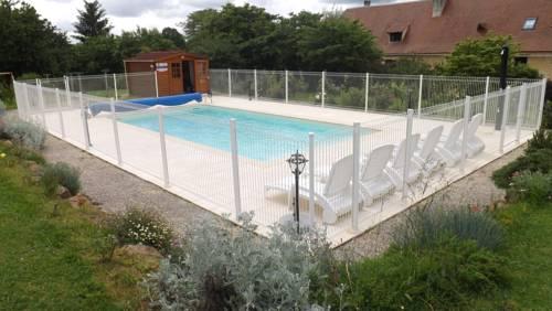 Gite la Grange : Guest accommodation near Baneuil