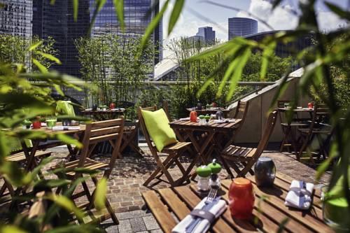 Pullman Paris La Défense : Hotel near Courbevoie