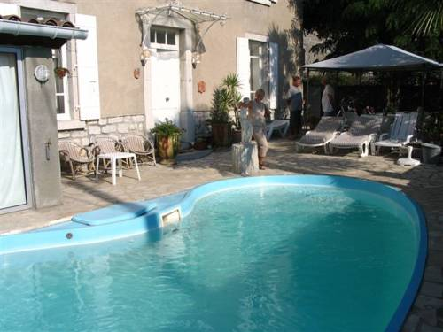 l'oasis : Bed and Breakfast near Chauzon
