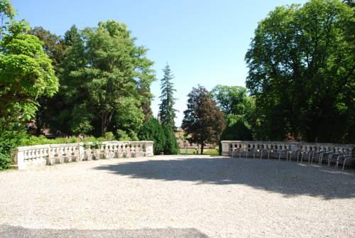 Appart'Hotel le Splendid - Terres de France : Guest accommodation near Allevard