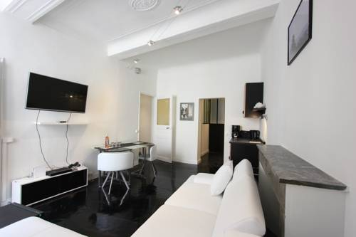 Centre historique - T3 design climatisé : Apartment near Aix-en-Provence