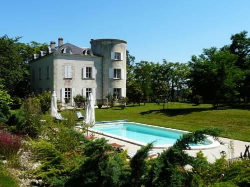 Château de la Comtesse : Bed and Breakfast near Jusix